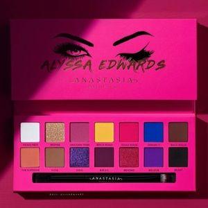 """💞ABH """"Alyssa Edwards"""" Eyeshadow Palette"""